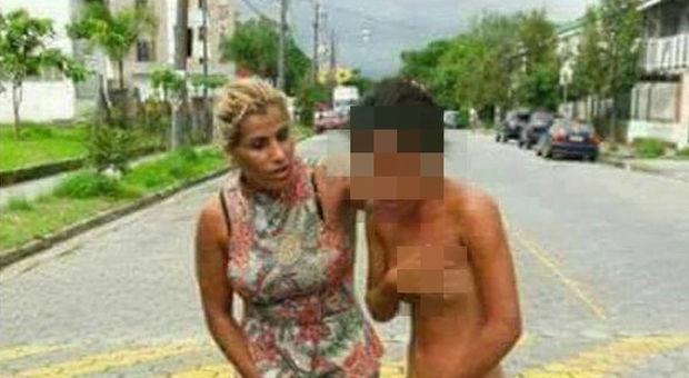 Trova l 39 amante a letto con il marito moglie tradita la - A letto con due donne ...