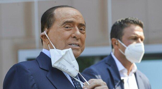 Berlusconi, nuovo tampone positivo: continua la quarantena ad Arcore