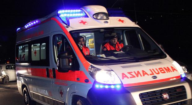 Schianto fatale a Villa Estense: auto contro un palo, muore un 28enne