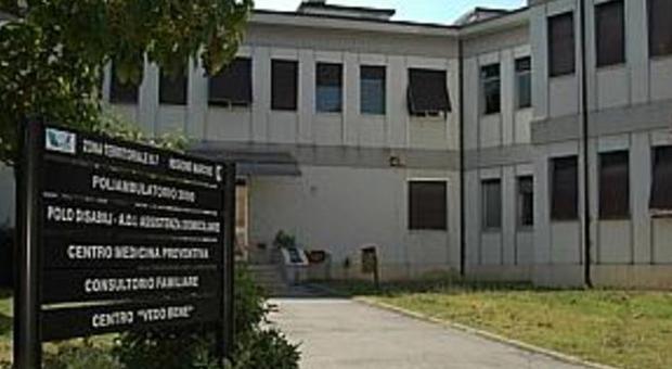 Minaccia senza motivo pazienti e sanitari bloccato dalla for Questura di ancona permesso di soggiorno