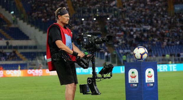 Diritti tv, Dazn si accorda con Sky e Tim per la trasmissione delle gare nei locali pubblici