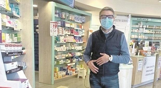 Pesaro, vaccini Covid in farmacia: pronti a partire nelle comunali, ma restano i nodi degli spazi e della formazione