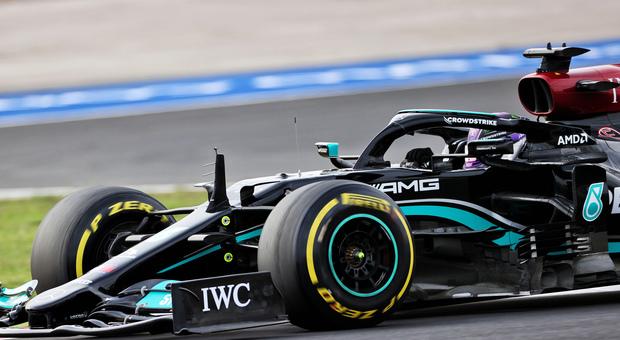 GP Turchia, qualifica: Hamilton il più veloce, ma parte 11°. La pole va a Bottas, grande Leclerc terzo