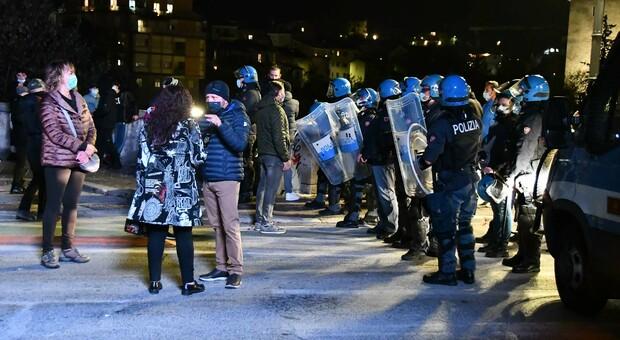 La polizia sul ponte di Porta Maggiore