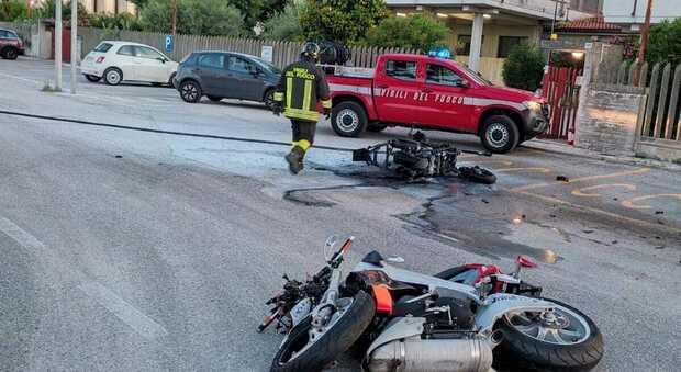 Incidente tra moto e scooter: due morti nel Teramano (Foto Newpress)