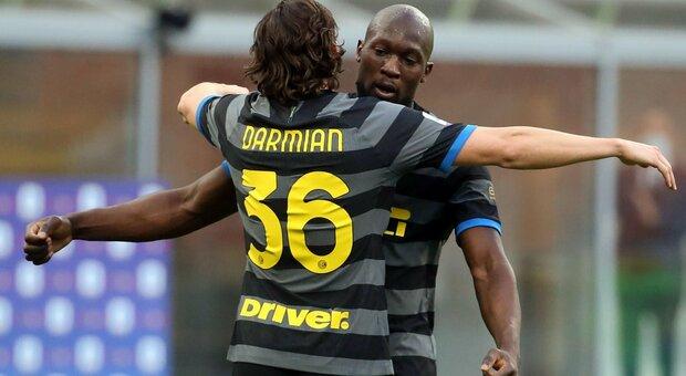 Inter sempre più prima: 3-0 al Genoa