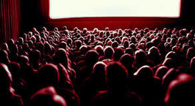 Fermo, il ladro entra e ripulisce la cassa del cinema mentre tutti stanno guardando il film - Corriere Adriatico