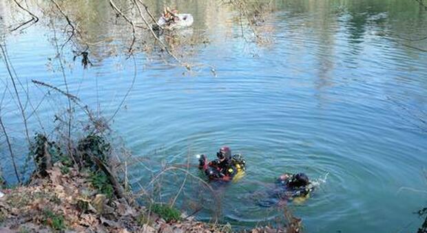 Il corpo di una 12enne trovato nel lago di Como: si era tuffata con la mamma cinque giorni fa