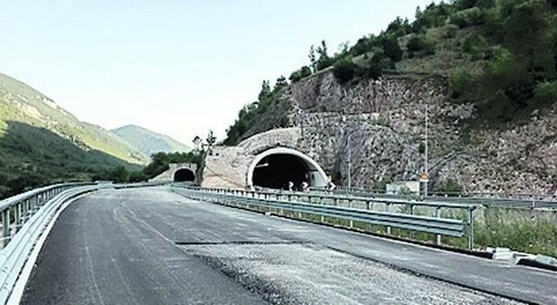 Quadrilatero, l assessore Baldelli: «Entro agosto aperte le 4 corsie del tratto Serra San Quirico-Genga e lo svincolo di Valtreana». Le novità