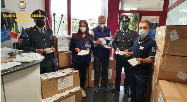 Sequestrate 36000 mascherine irregolari importate dalla Cina e requisite diecimila tute monouso consegnate alla Protezione civile