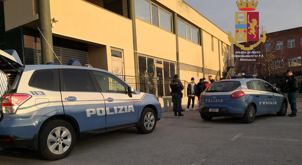 Controlli antidroga della Polizia: tre giovani trovati in possesso di marijuana segnalati in Prefettura