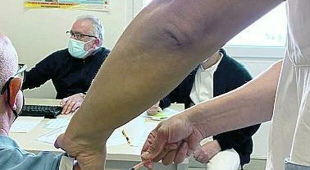 Obiettivo isole Covid free: vaccinazione di massa a Ponza, domani si parte a Ventotene