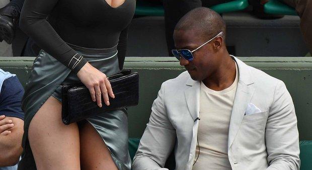 Effusioni in tribuna a Roland Garros: Lindsey Vonn mostra l'intimo e il siparietto è hot