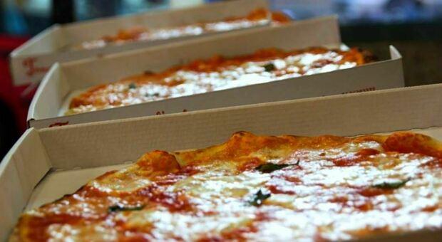 Pizze alla cocaina a Monza, arrestato il titolare del locale: droga tenuta nel barattolo del sale