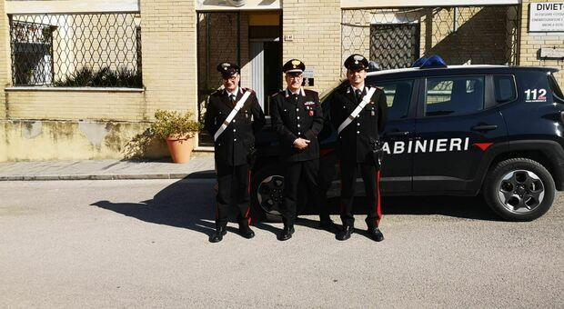 Occhio alle vendite online, l'intuito di una mamma smaschera il raggiro. I carabinieri denunciano tre truffatori