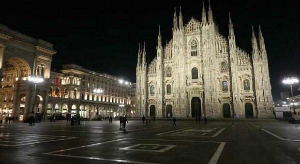 Coprifuoco dalle 23 alle 5 in Lombardia: firmata l'ordinanza, per spostarsi servirà l'autocertificazione