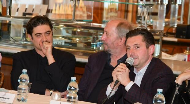 Riccardo Scamarcio, Giuseppe Piccioni e il sindaco Marco Fioravanti