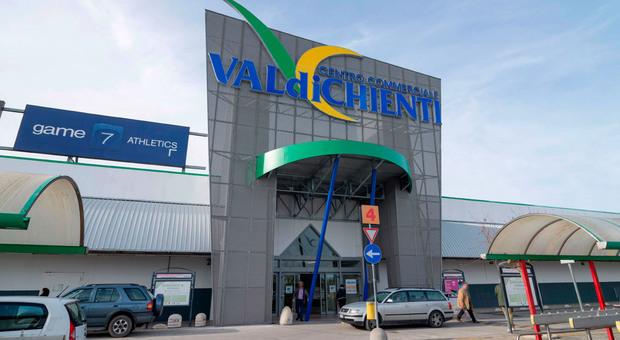 Il centro commerciale Valdichienti di Macerata