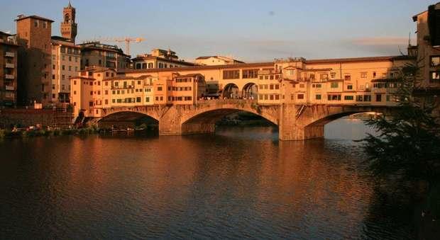 Firenze choc, 19enne si butta nell'Arno: è uno studente in gita con la scuola