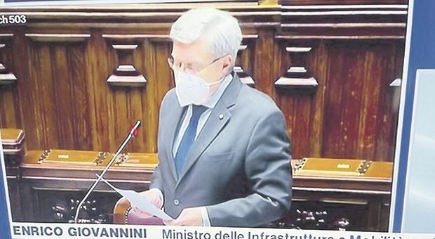 Porto commissariato: il caso arriva in Parlamento e FdI attacca il ministro Giovannini