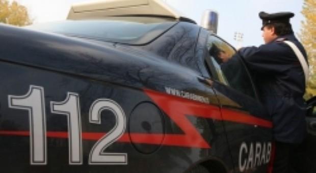 Girava indisturbato per le vie del centro eludendo gli arresti domiciliari: nei guai