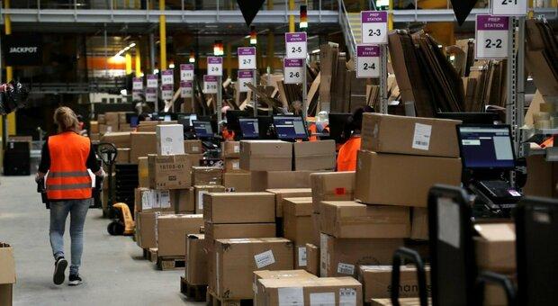 Amazon, pressing del governo per il rinvio del Black Friday. Ok anche dalle associazioni dei commercianti