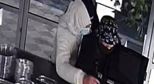 I ladri ripresi dalle telecamere
