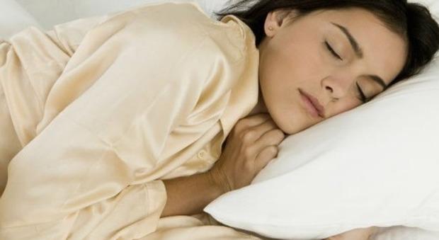 Depressione, dormire poche ore migliora i sintomi: lo studio