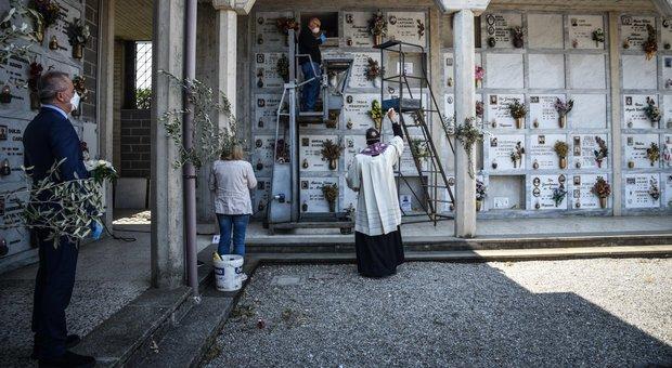 Istat, a marzo quasi il 50% di morti in più, record a Bergamo: +568%, a Roma -9,4%