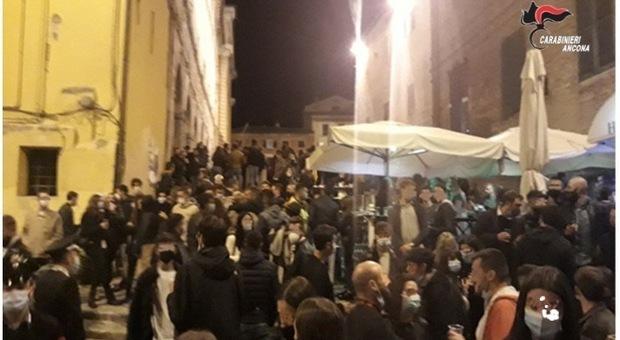 Risse, droga e botte a chi protesta, i residenti contro la movida choc: «Servono controlli veri»