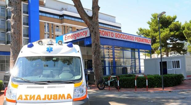 L'ospedale pediatrico di Bari, 14enne morta dopo quasi un mese di coma. Le ipotesi: meningite o reazione avversa al vaccino