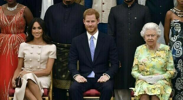 Il principe Harry e Meghan privati di titoli e cariche dalla Regina Elisabetta