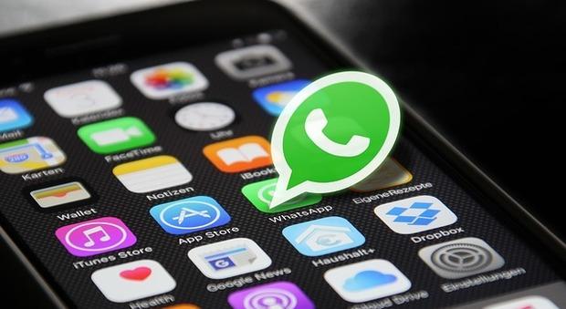 Whatsapp, tutte le opzioni nascoste che (forse) non conoscevi: dalle chat che si cancellano da sole alle spunte blu ritardate