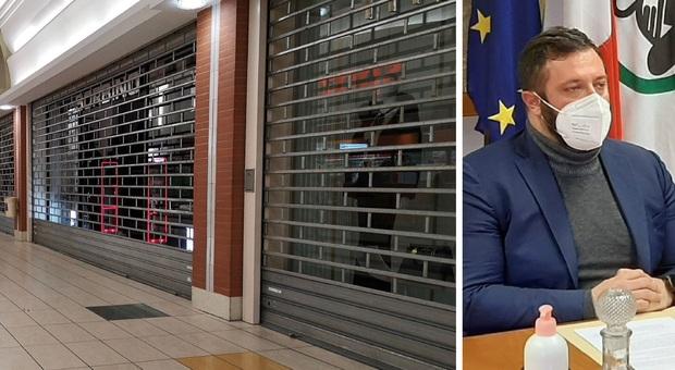 Ristoranti e locali: «Dehors, gazebo e porticati possono riaprire». Ma niente centri commerciali nel weekend