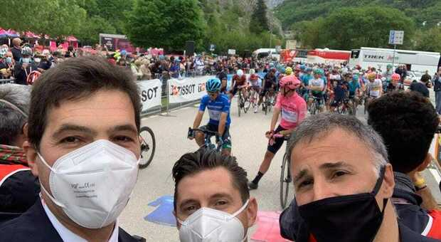 Acquaroli saluta il Giro d'Italia: «Marche sinonimo di bellezza e accoglienza»
