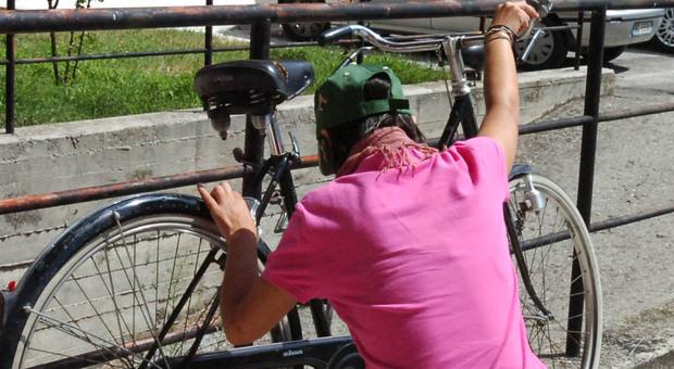 Furto di bicicletta, immagine di archivio