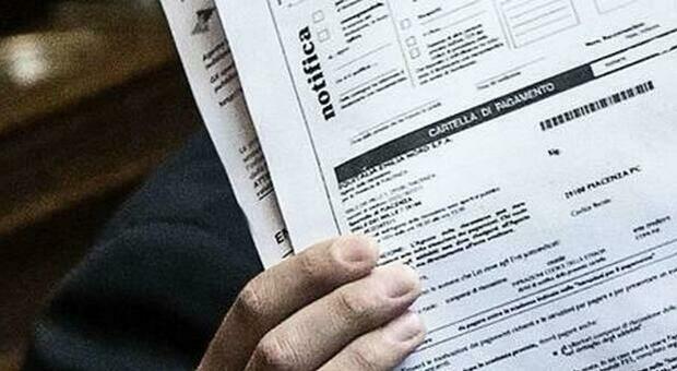 Cartelle esattoriali, il piano del Tesoro sul fisco: debiti cancellati dopo 5 anni