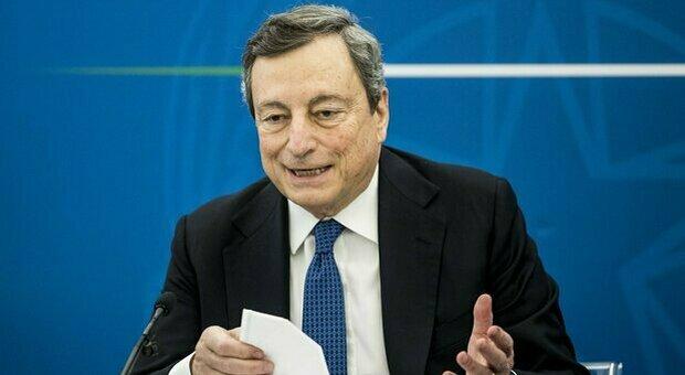 Draghi: «Scuole aperte fino a prima media. Norma contro sanitari no vax». Niente zone gialle in aprile