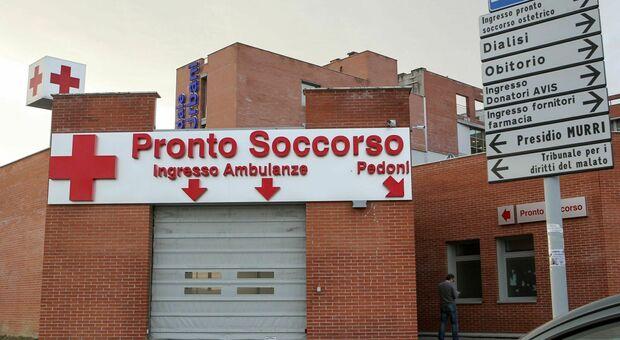 Jesi, l'ospedale nella trincea Covid, l'appello: «Non venite al Pronto Soccorso per traumi leggeri»