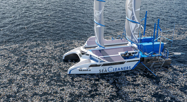 Missione oceani puliti, i progetti per eliminare l'immondizia: ogni anno 8 tonnellate di plastica in acqua