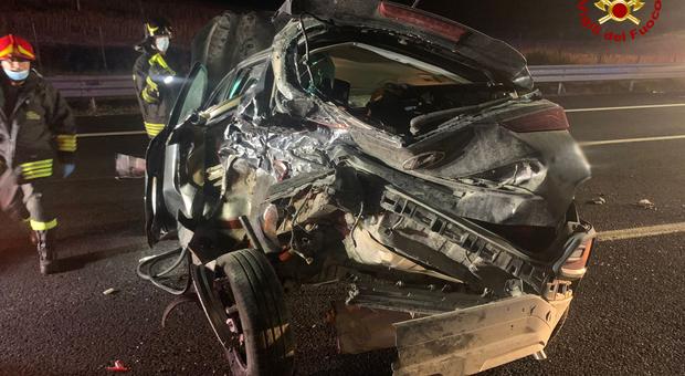 Una delle due auto coinvolte nell'incidente sull'A14