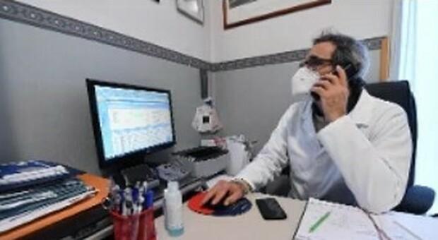 Pesaro, la rivolta dei medici di base: «Noi siamo pronti, fateci vaccinare i pazienti»