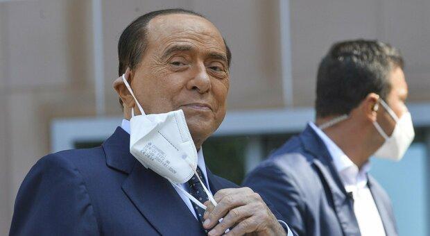 Silvio Berlusconi: «Lotto con le conseguenze di un male insidioso. L'affetto degli italiani mi commuove»