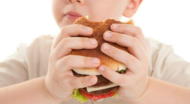 Allarme obesità tra i bambini, il rimedio: tanto movimento