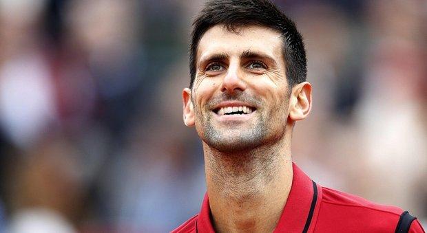 Djokovic parte male ma poi piega Murray e conquista il Roland Garros