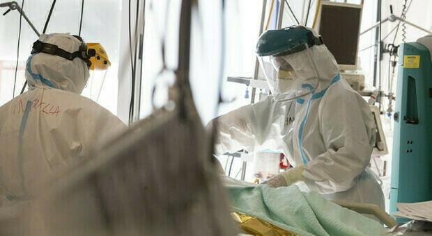 Covid, la seconda ondata peggiore dell prima: in questa parte della pandemia 49.274 decessi, erano stai 34.278 in primavera
