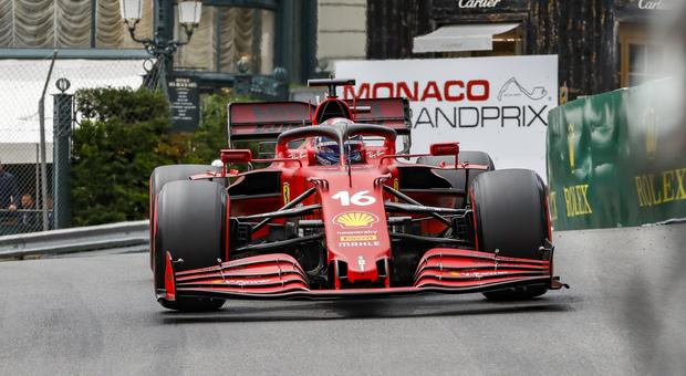 Formula 1, colpo di scena a Monaco: Leclerc non correrà. Dalla pole al ritiro