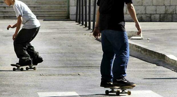 Pisa, adolescente muore investito da un'auto mentre è sullo skateboard
