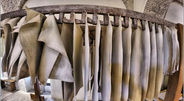 ;Lo stendaggio dei fogli di carta
