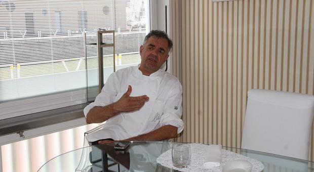 Alghe speciali: Mauro Uliassi mette in tavola il pane che sa di mare. Ecco chi lo produrrà